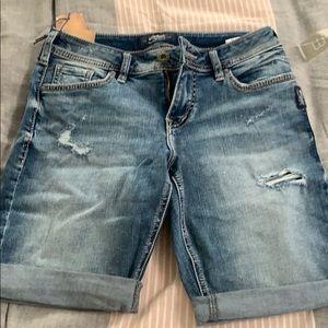 Silver Suki Bermuda Shorts size 26